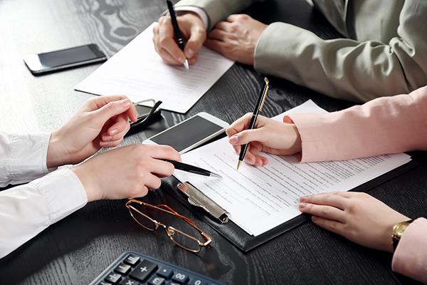 Трехсторонний взаимозачет: учет и налоги